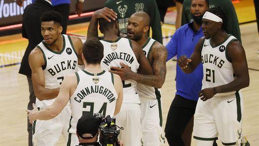 119-123: Los Bucks derriban a los Suns y están a una victoria del anillo