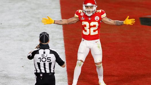 El defensivo Tyrann Mathieu de los Chiefs de Kansas City sale de la lista covid
