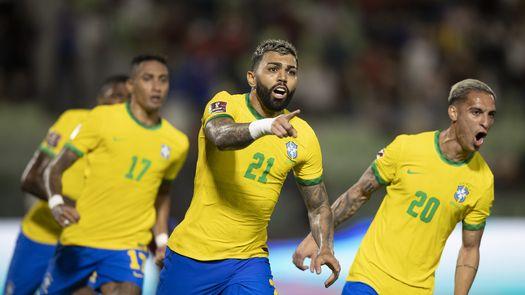 1-3. Brasil derrota a Venezuela, mantiene el invicto y es más líder que nunca